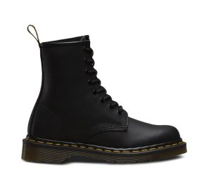 На фото ботинки Dr.Martens 1460 Black Greasy