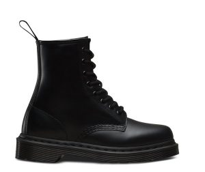На фото ботинки Dr.Martens 1460 Mono Black Smooth