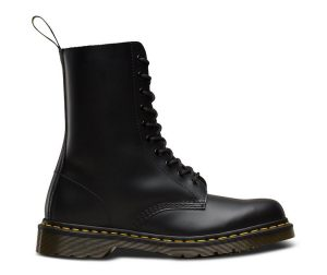 На фото ботинки Dr.Martens 1490 Black Smooth