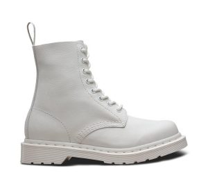 На фото ботинки Dr.Martens Pascal Optical White Virginia