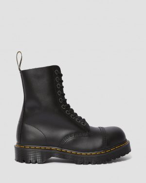 На фото ботинки Dr. Martens 8761 BXB – Black Fine Haircell